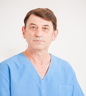 Д-р Цветан Николаев